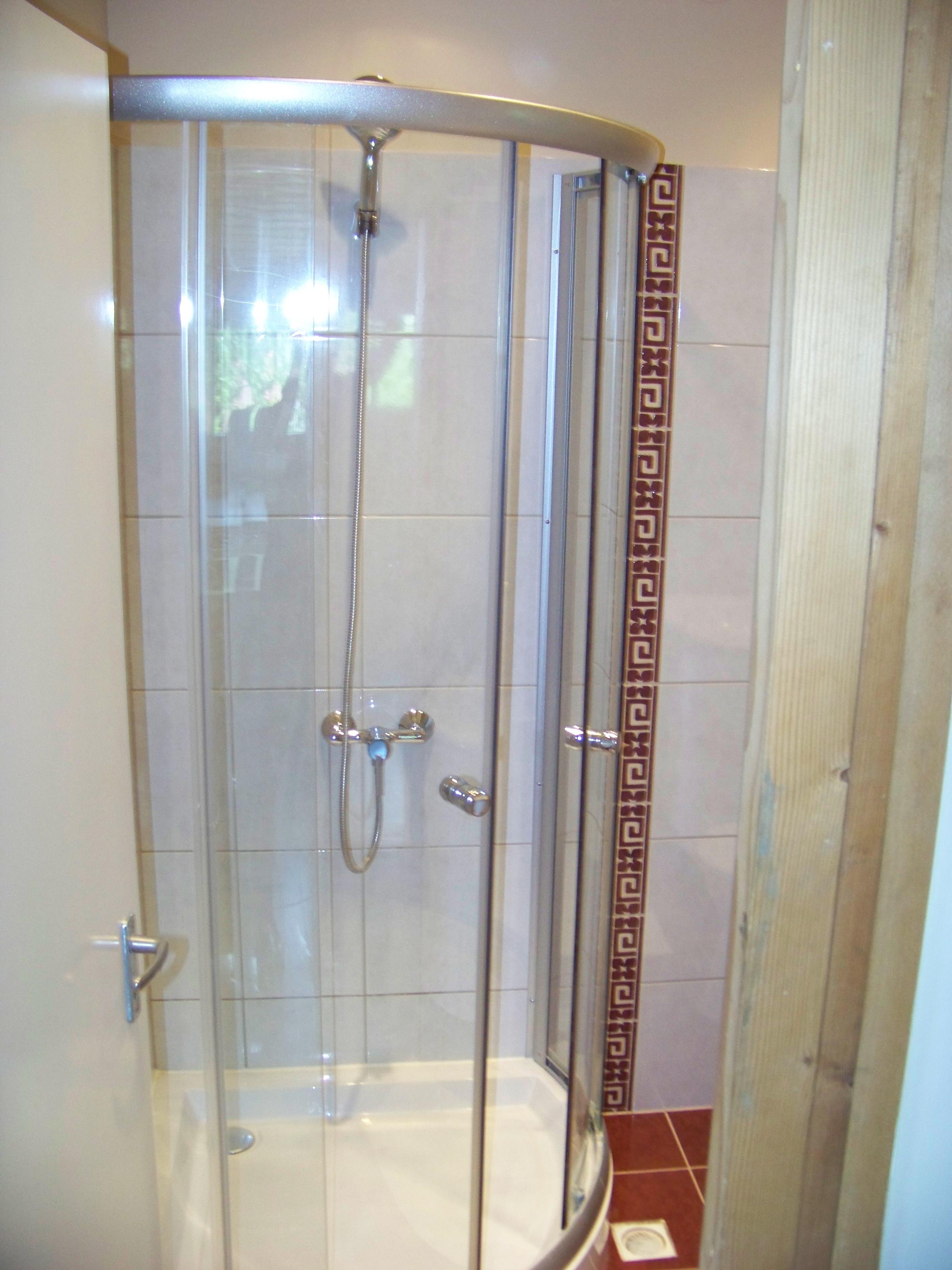 emeleti fürdőszoba