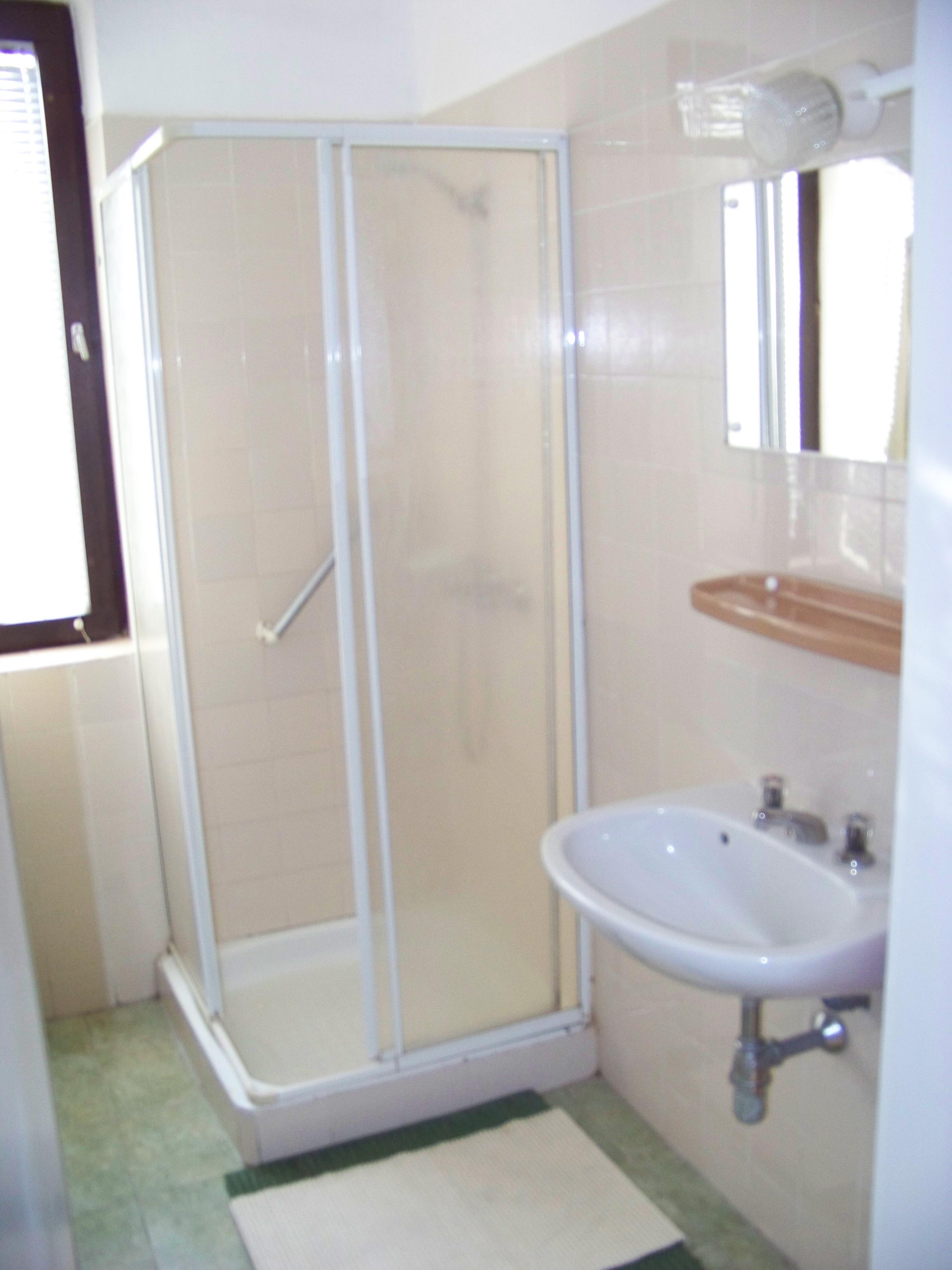 2 szobás apartman: fürdőszoba