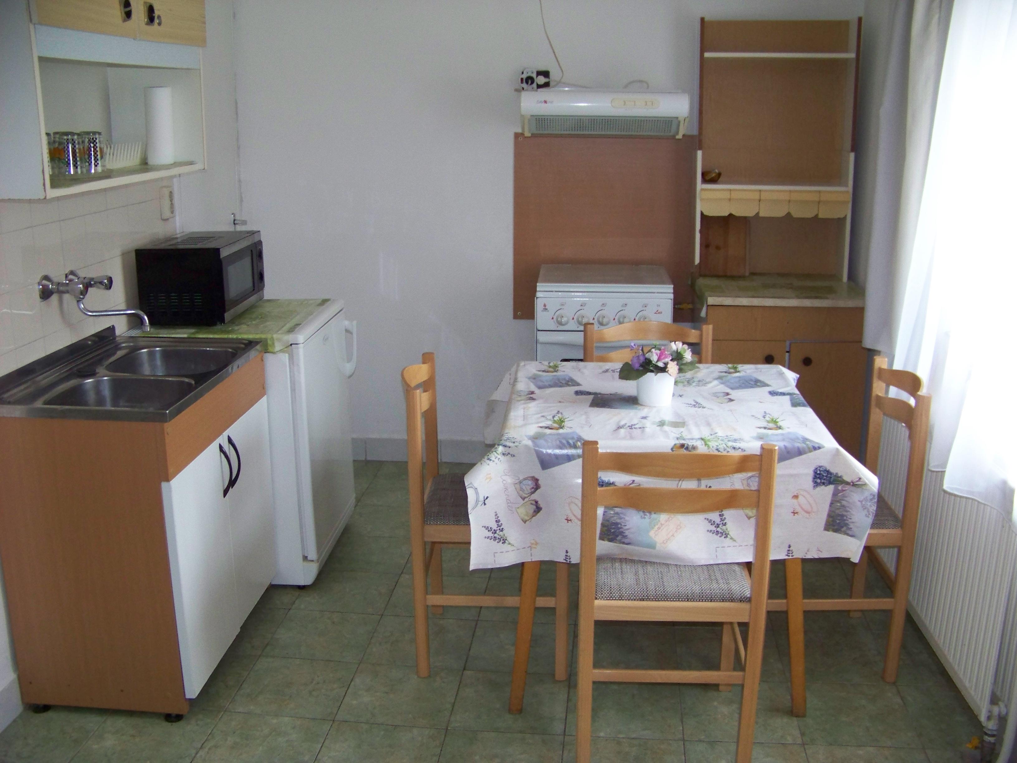 2 szobás apartman:konyha